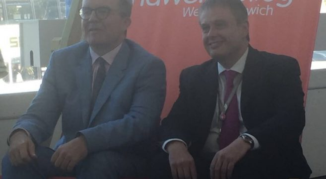Principal Graham Pennington sitting in a deck chair with Former Deputy Leader of the Labour Party Tom Watson