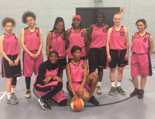 Group photo of female basketball players